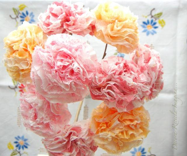Как сделать цветок из бумажной салфетки своими руками