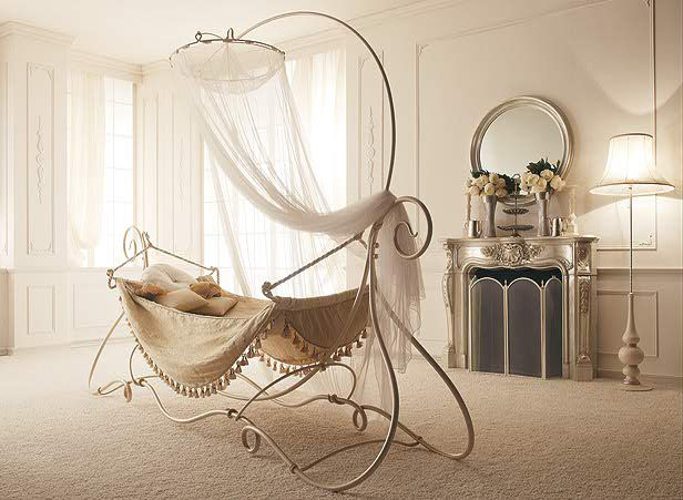 Cast-Iron-Canopy-Bed