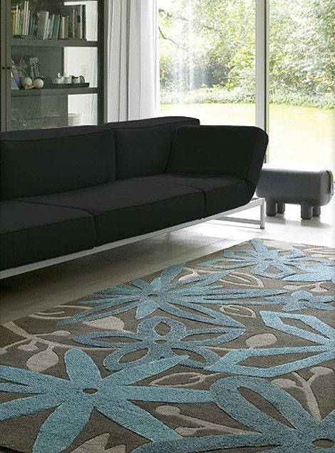 Floral-motifs-carpet-living-room-interior