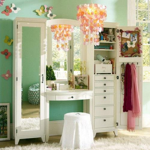 makeup-storage-in-special-furniture