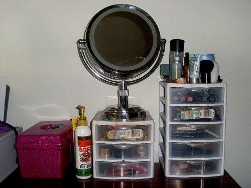 organized-makeup-storage-drawers