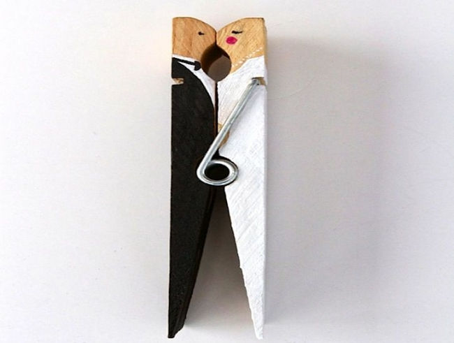 clothespin_wedding_cake_toppers_ufiac