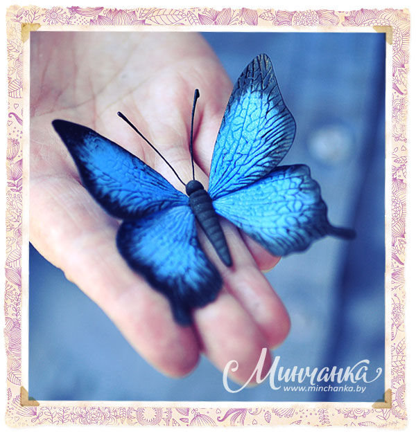Брошь «Бабочка» из флористической глины