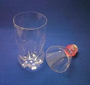 Красивая ваза из пластиковой бутылки 79780
