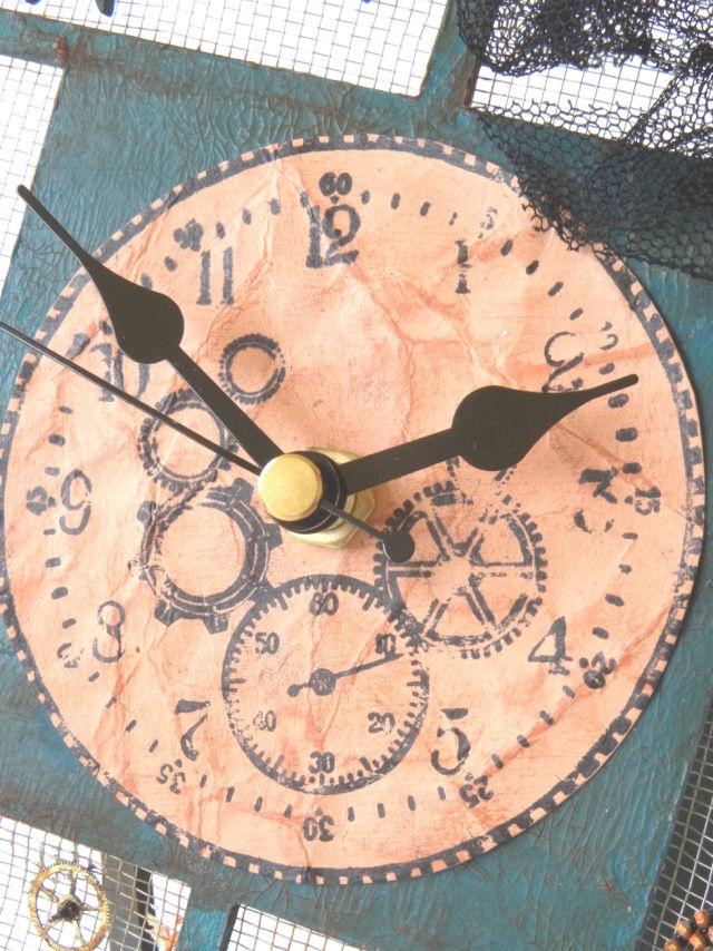 часы из подручных материалов фото