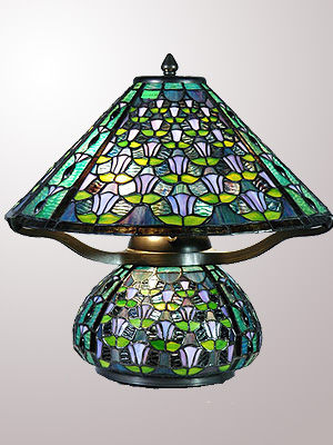 Stained-Glass-Tiffany-Lamp-W-Wind-Chime-Design