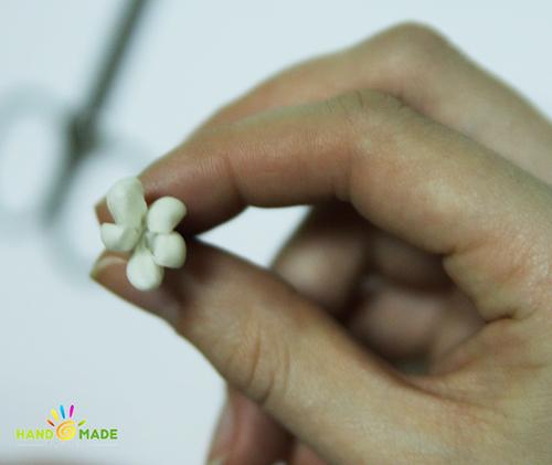 лепка цветка эустома