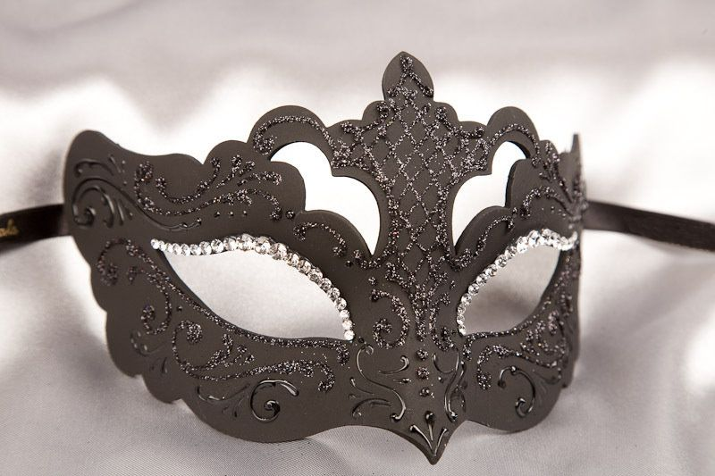 black_strass_masquerade_masks_ROND32