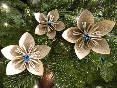 wonderful-paper-and-cardboard-christmas-decorations12