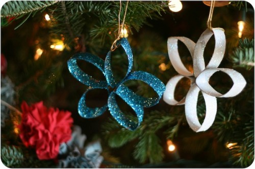 wonderful-paper-and-cardboard-christmas-decorations16-500x333