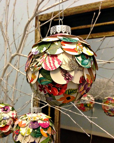 wonderful-paper-and-cardboard-christmas-decorations3