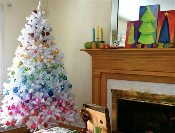 Christmas-Tree-Decoration-with-9-Awesome-Ideas-Rainbow-style-590x449