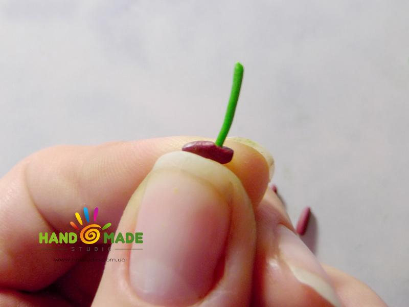 belo-zelenue-liliy-12
