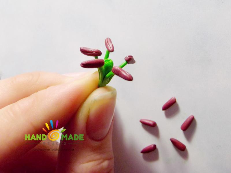 belo-zelenue-liliy-13