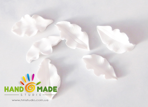 belo-zelenue-liliy-5