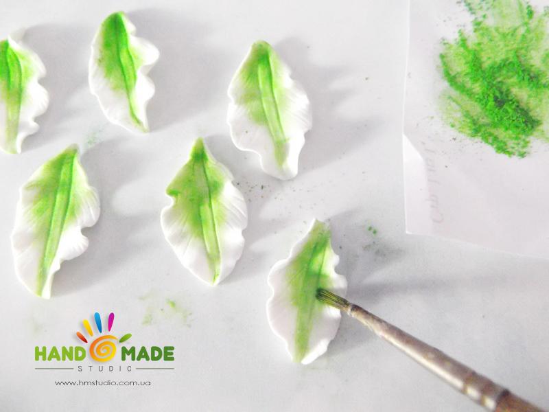 belo-zelenue-liliy-6