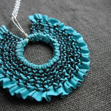 textilependant_turquoise