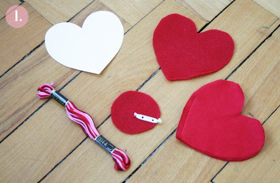 heart pin brooch labeled2-1