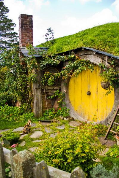 yellow door03 hobbithouses tumblr_новый размер