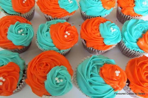 b0a58_cupcake_orange-and-turquoise-red-velvet-wedding-cupcakes
