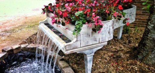 designheroes._us_2013_02_01_old-piano-turned-into-outdoor-fountain_-630×470