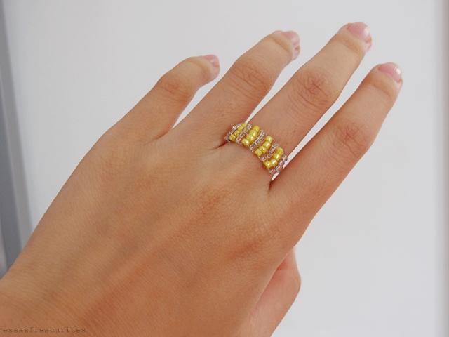 кольцо из проволоки и бисера14