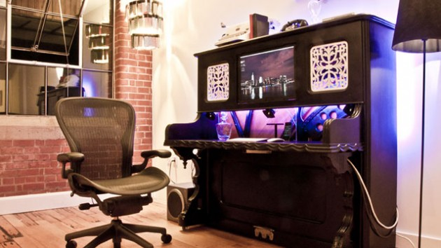lifehacker._com._au_2012_08_the-piano-desk_-630x354