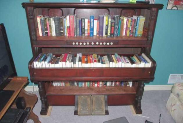 vicbooks.wordpress._com_2013_02_08_cool-bookshelves-part-vi_-630x422