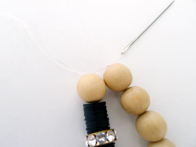 diy-wood-bead-bracelet-3