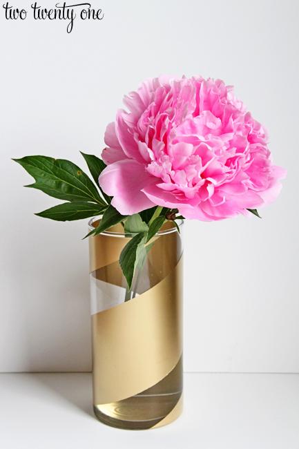 gold-striped-vase3