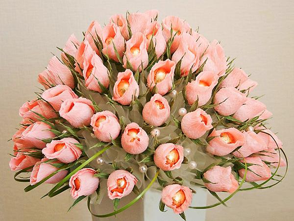 diy-rose-wedding-arrangement-rosebuds-ferrero-rocher-chocolates