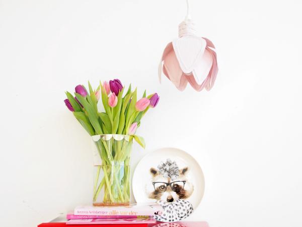 лампа-тюльпан