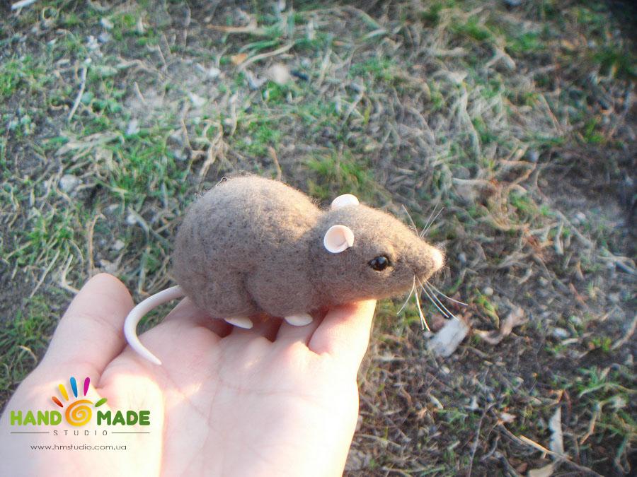 Мышка в технике сухого валяния