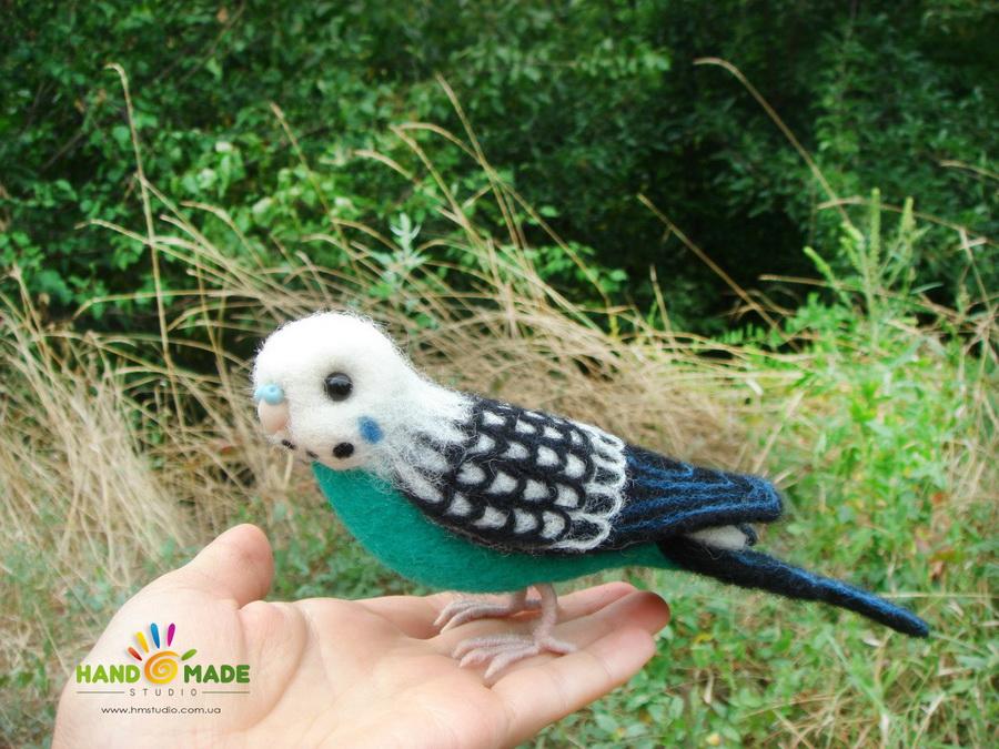 Лепим лапки и клюв для попугая