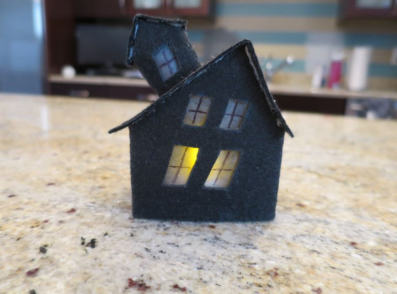 светильник-дом
