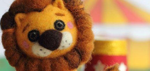 Львенок из шерсти