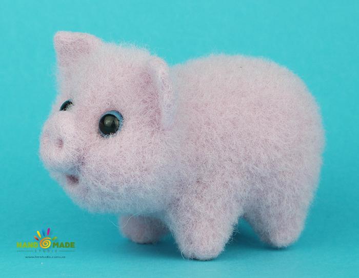 Свинка в технике сухое валяние