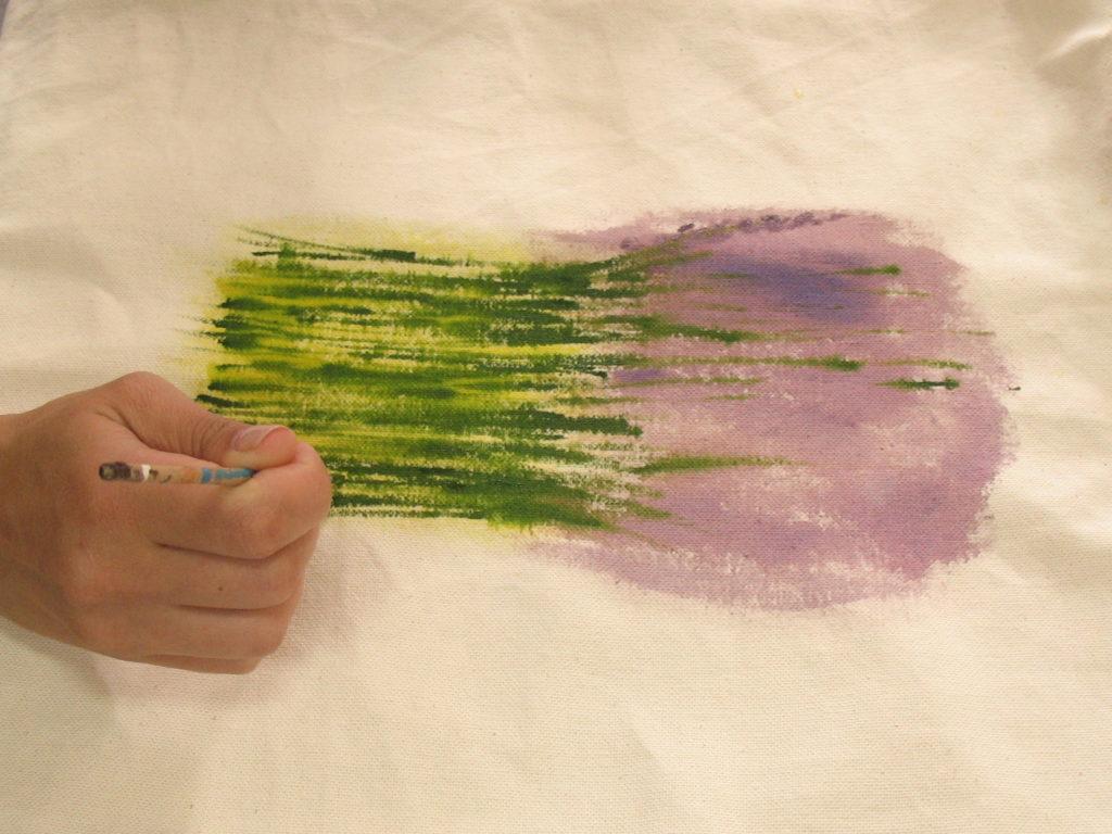 прорисовываем стебли более темным зеленым цветом