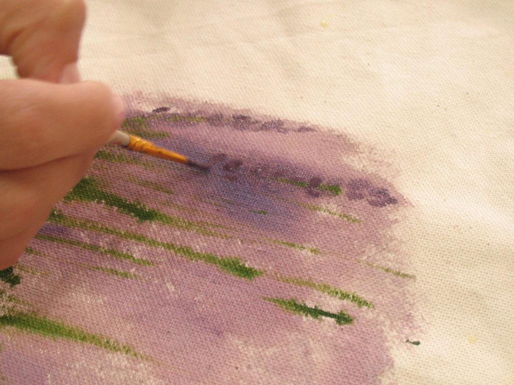 начинаем прорисовывать детали цветков